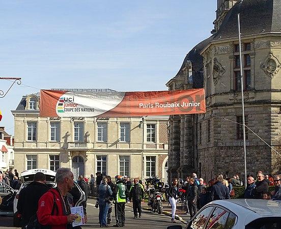 Saint-Amand-les-Eaux - Paris-Roubaix juniors, 12 avril 2015, départ (A59).JPG