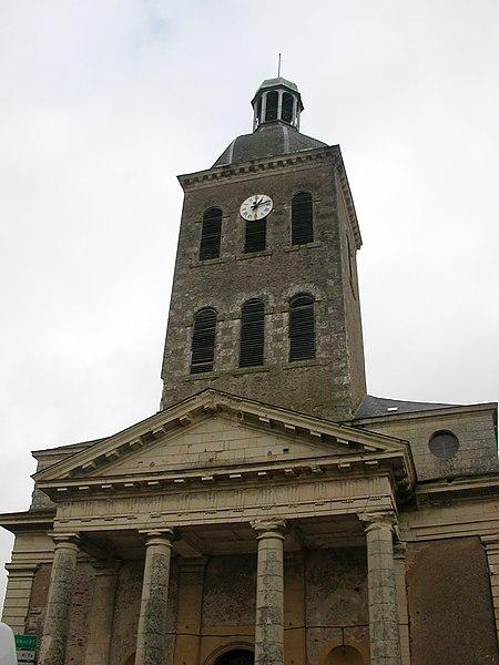 450px-Saint-Georges-sur-Loire_%C3%A9glise.jpg