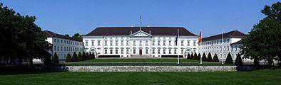 Schloss Bellevue (panorama).jpg