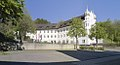 Schlosshofen Außenansicht 2017 Schloss-vom Innenparkplatz.jpg