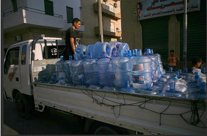 File:Selling water in tripoli.jpg