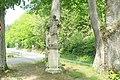 Socha svatého Jana Nepomuckého u silnice severozápadně od hradu Pernštejn (Q62018659) 01.jpg