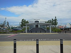 Southend Airport railway station 01.jpg