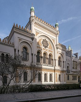 Spanish Synagogue in Prague Outside.jpg