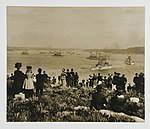 Spectators watching the arrival of the US Great White Fleet (7173681352).jpg