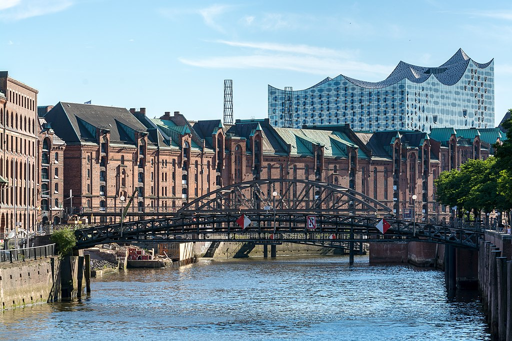 Speicherstadt (Hamburg-HafenCity).Zollkanal.14863.ajb