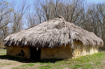 A wattle and daub house as used by Native Americans during the Mississippian period Spiro wattleanddaub HRoe 2005.jpg