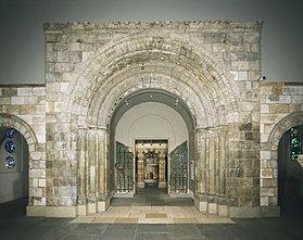 Portail de l'abbaye, musée des beaux-arts de Philadelphie (États-Unis).