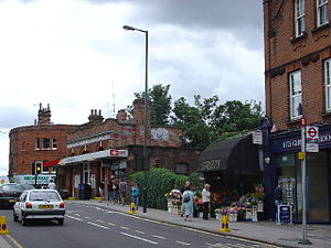 St Margarets (London) railway station - Image: St. Margarets railway Station geograph.org.uk 43686