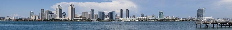 St Diego Skyline Panorama 2013.jpg