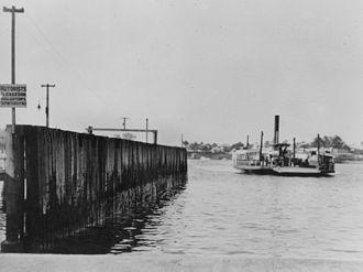 Ferry transport in Queensland - Bulimba vehicular ferry, 1929