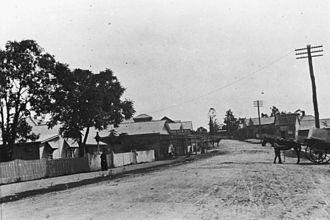 Moggill Road - Image: State Lib Qld 1 89536 Collection of shops along Moggill Road, Taringa, Brisbane, ca.1920