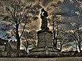 Statue de Guillaume Farel à contre jour.jpg