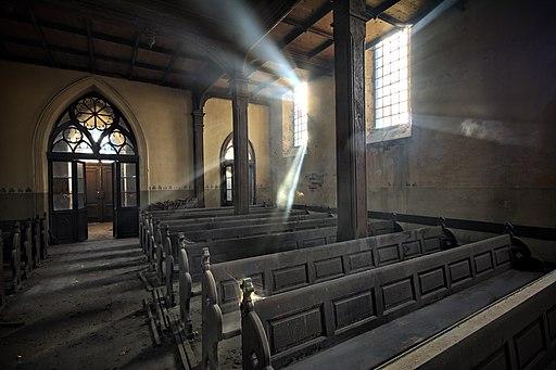 Stawiszyn Nieczynny Kościół Tył kościoła