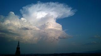 Momentum >> Cumulonimbus cloud - Wikipedia