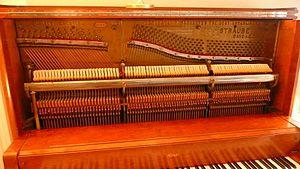 Straube Piano Company - Pin block, hammer rail