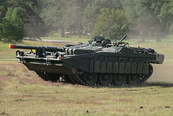 Stridsvagn 103 Revinge 2013-1.jpg
