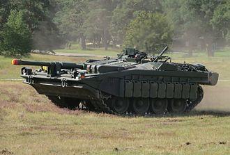 Stridsvagn 103 - Image: Stridsvagn 103 Revinge 2013 1