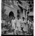 Su Bai and undergraduates in Longmen Grottoes, 1957.png