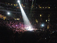 Taylor Swift during Fearless Tour concert in Los Angeles 01.jpg