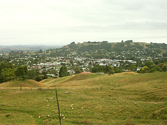 Te Kuiti - Te Kuiti viewed from the south-west as SH3 climbs out of the town.