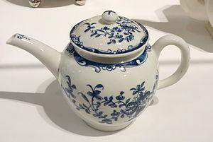Lowestoft Porcelain Factory - Teapot, attributed to Lowestoft Porcelain Factory, Lowestoft, England, c. 1765