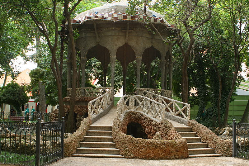 File:Templete de los jardinillos Albacete.JPG