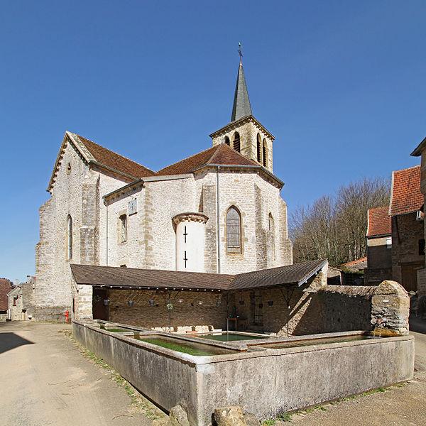 Église et lavoir de Tharoiseau