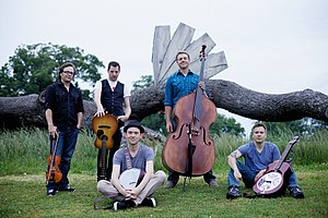 Infamous Stringdusters - Image: The Infamous Stringdusters with Instruments