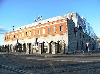 3Arena - Entrance of venue displaying former O2 signage, November 2009