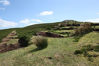 Carrowkeel Megalithic Cemetery - Image: The path up to the central monuments at Carrowkeel, Sligo