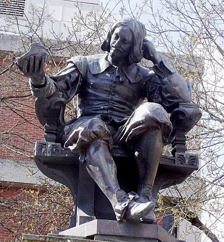 Statue of Sir Thomas Browne on Hay Hill, near to where he lived. Browne is buried in St Peter Mancroft church Thomas Browne statue.jpg