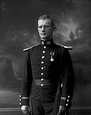 Thorleiv Bugge Røhn with King Haakon VII Coronation Medal (1907).jpg
