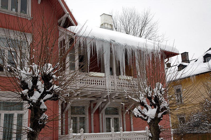 Deadly Icicles