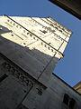 Torre Ghirlandina di Modena dal basso 4.jpg