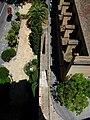 Tram de muralla adossada a les torres de Quart.JPG