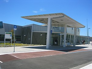 Transperth Warnbro Station entrance.jpg