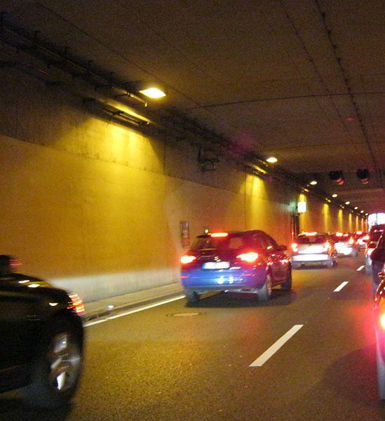 File:Tunnel Pragsattel.jpg
