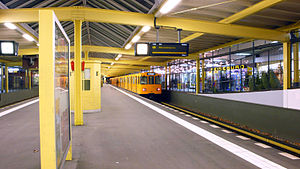 Onkel Toms Hütte (Berlin U-Bahn) - Platform