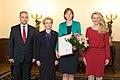 Vēstniecei Ilzei Juhansonei pasniedz Saeimas Prezidija atzinības rakstu (22754467726).jpg