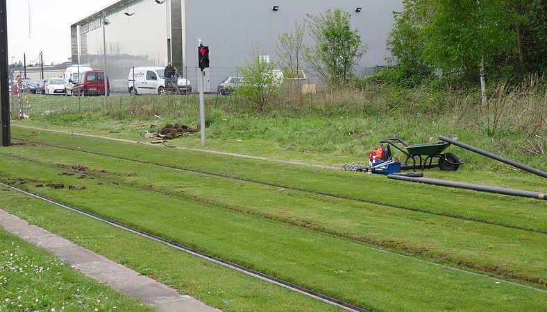 Valenciennes & Anzin - Déraillement de la rame de tramway n° 17 à la sortie du dépôt de Saint-Waast le 11 avril 2014 (125).JPG