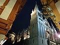 Vannes - Cathédrale vue de la place Henri IV.jpg