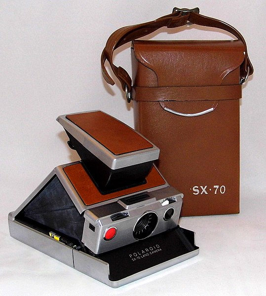 File:Vintage Polaroid SX-70 Single Lens Reflex Land Camera, Made In USA, Introduced In 1972 (35531288650).jpg