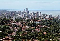 Trung tâm thành phố và khu vực Arnuro Branco Bonsocesso, nhìn từ Goncalves và khu vực thị trấn cũ Varadouro