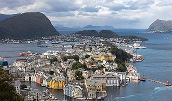 Ålesund (Norvège). (définition réelle 6980×4094)