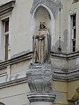 Vyšehrad, Svobodova 5, Vinařického 2, nárožní socha.jpg