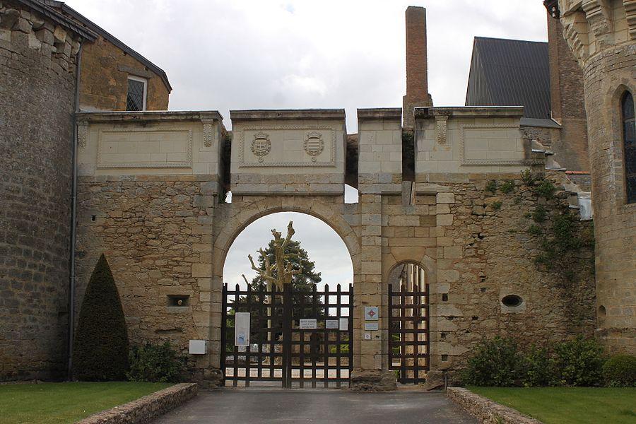 Entrée du château, Fr-49-Martigné-Briand.