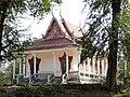 Wat Kampong Tralach Leu Vihara 05.jpg