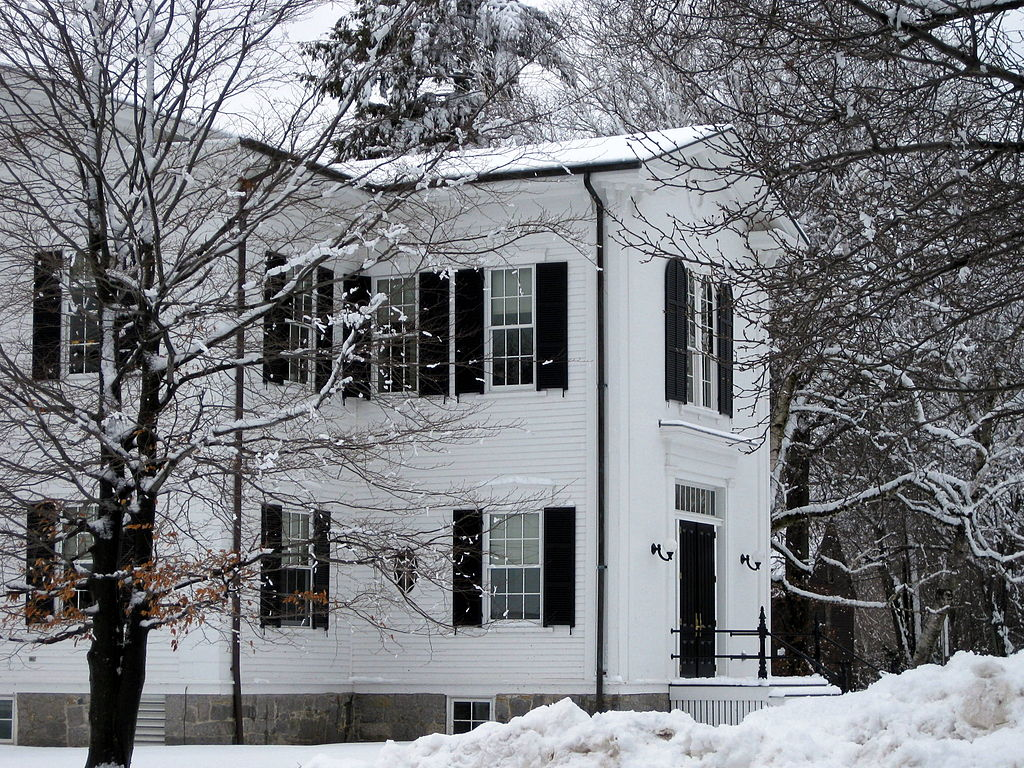 1024px-Wenham_Town_Hall_in_the_Snow.jpg