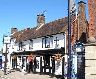 White Hart Inn, Crawley - The inn from the southwest